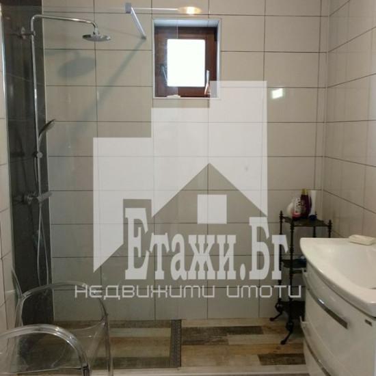 Къща  в близост до град Варна - село Баново