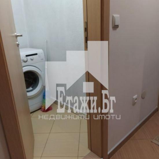 Двустаен  апартамент в района на Базар Левски