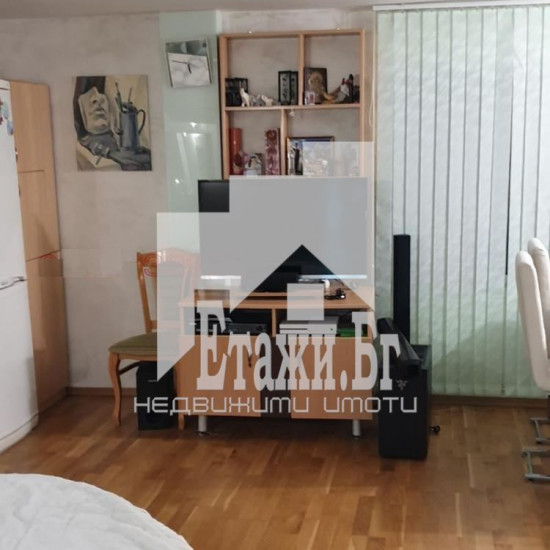 Двустаен апартамент в квартал Бриз