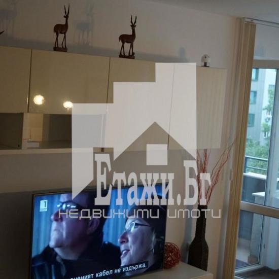 Двустаен луксозен апартамент в близост до стадион Спартак