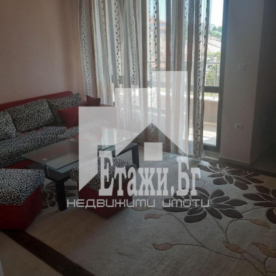 Двустаен апартамент в квартал Трошево