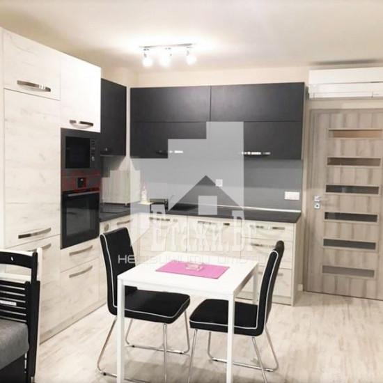 ЛУКСОЗЕН двустаен апартамент в центъра на Варна