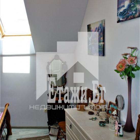 Луксозен двустаен апартамент с морска панорама в района на м-т Св. Никола