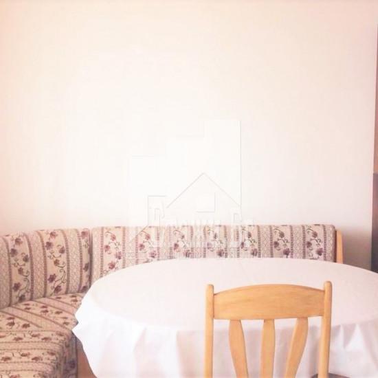 Тристаен обзаведен апартамент в района на Лятно кино Тракия