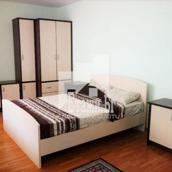 Двустаен апартамент в квартал Чайка