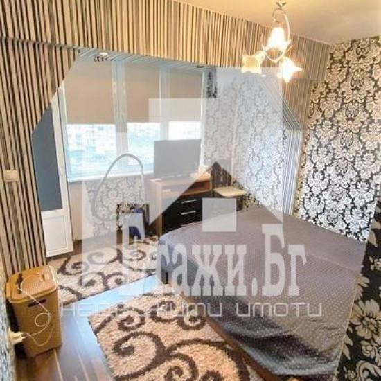 Тристаен апартамент във Владиславово