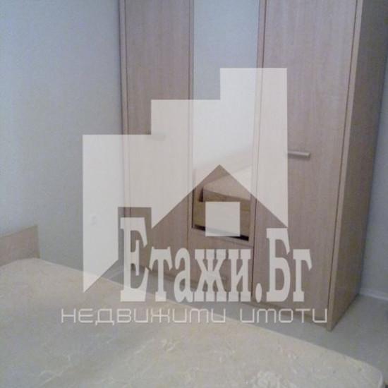 Двустаен апартамент в Трошево