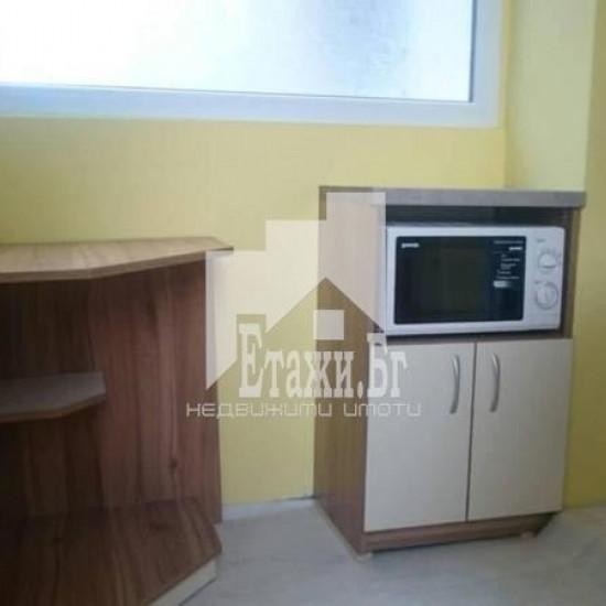 Четиристаен апартамент в района на Лятно кино Тракия