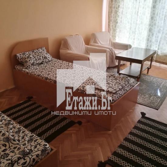 Многостаен апартамент в района на Зимно кино Тракия