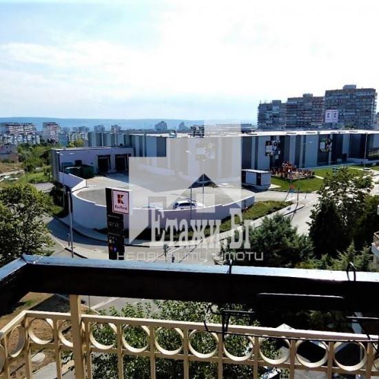 Огромен панорамен тристаен апартамент в  квартал Бриз