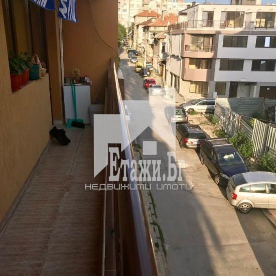 Слънчев, топъл двустаен апартамент в квартал Левски