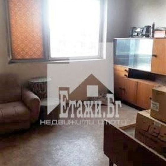 МНОГОСТАЕН апартамент в квартал Левски