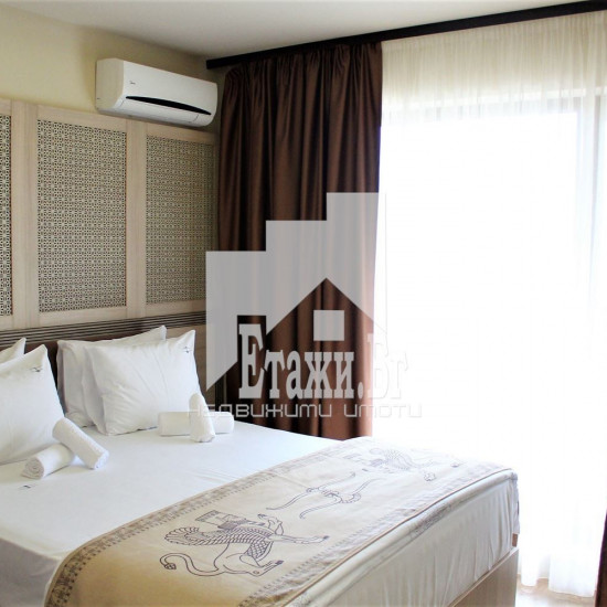 Луксозен апартамент в курортен комплекс Златни Пясъци