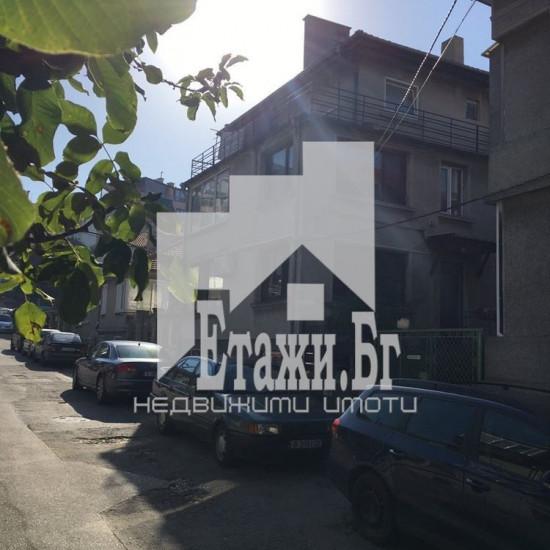 Фамилна къща в квартал Левски