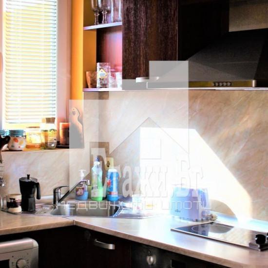 Светъл двустаен апартамент в местност Ален мак