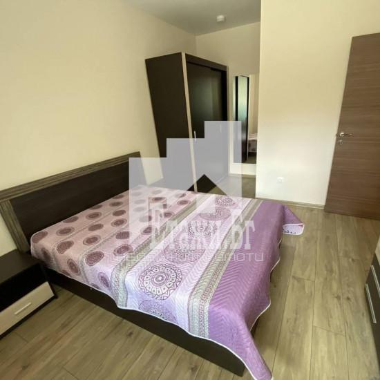 Тристаен апартамент в района на Окръжна болница