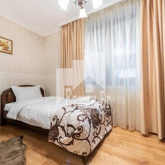 Страхотен тристаен апартамент в Идеален център