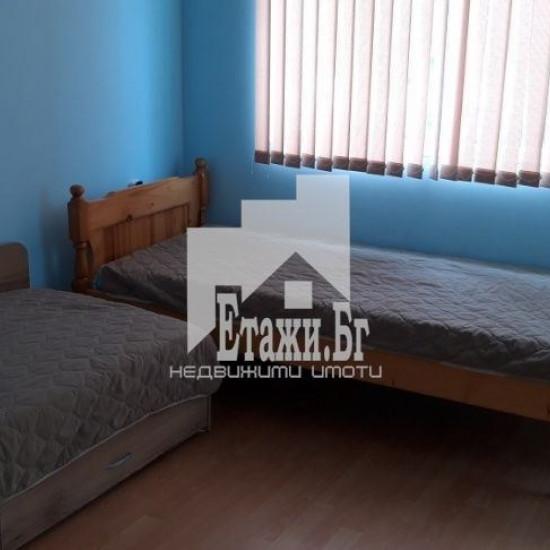 Тристаен апартамент в близост до Басейн Приморски