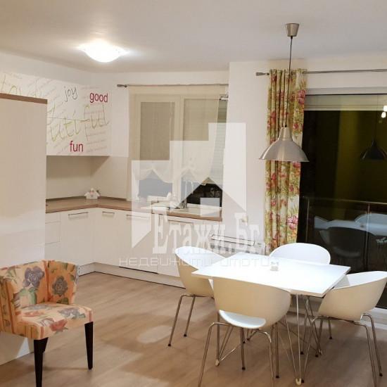 Просторен тристаен апартамент, в затворен комплекс в района на ХЕИ