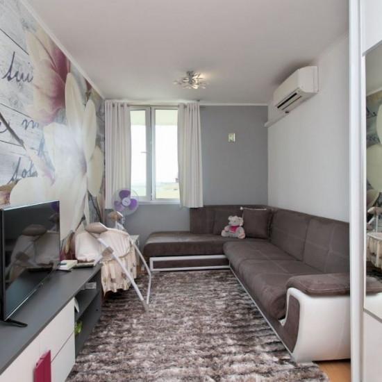 Тристаен апартамент в квартал Младост 2