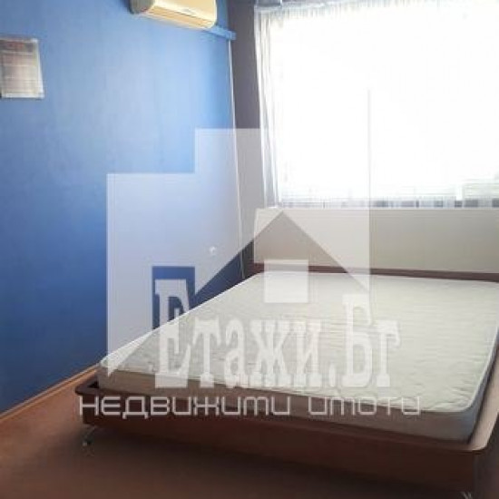 Четиристаен апартамент в квартал Левски