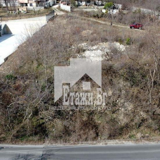 Атрактивен поземлен парцел в квартал 'Изгрев'