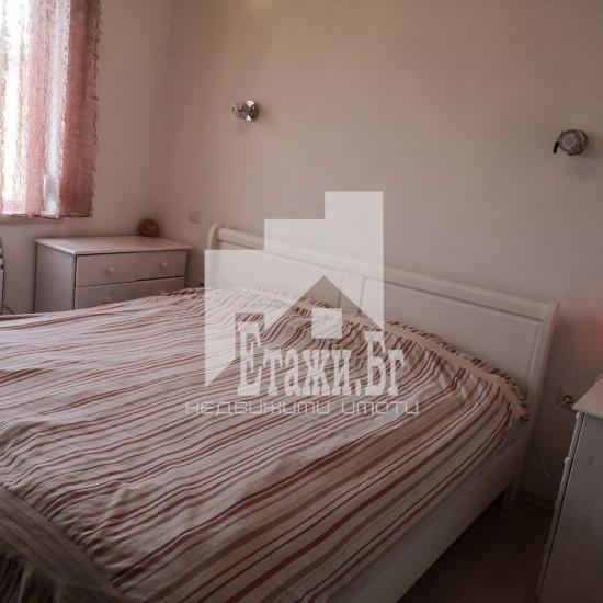 Тристаен апартамент в района на Колхозния пазар