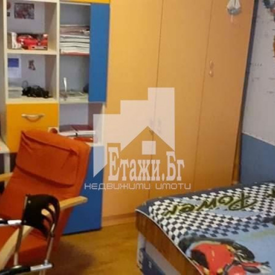 Тристаен апартамент в квартал Левски