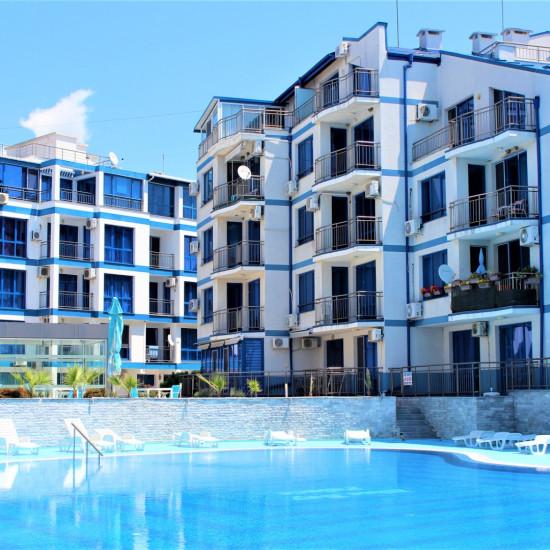 """Страхотен апарт-комплекс от затворен тип """"Блу Бей Палас"""""""